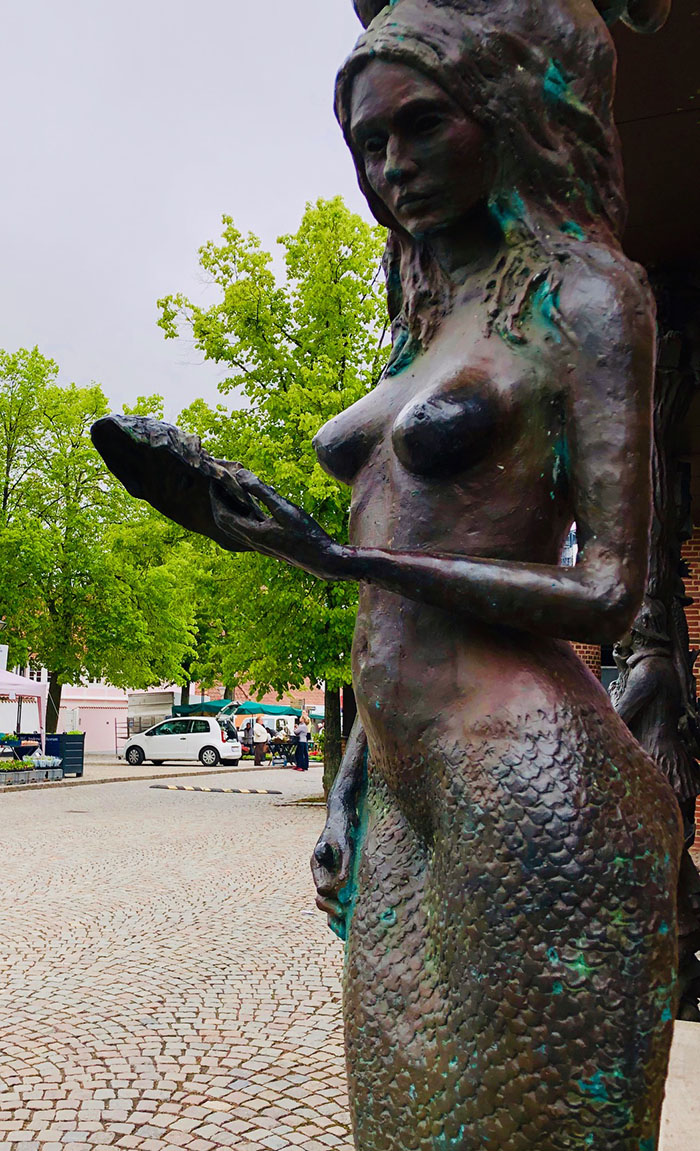 The little mermaid statue in Odense