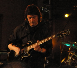 Steve goes electric at Steve Hackett Event