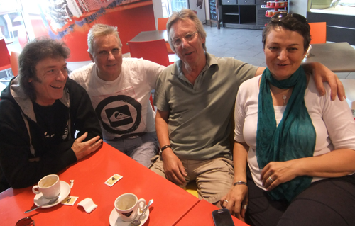 Steve, Nick, Brian and Vania have a quick coffee together