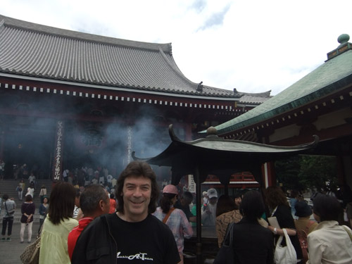 Steve in Sensoji Temple precinct