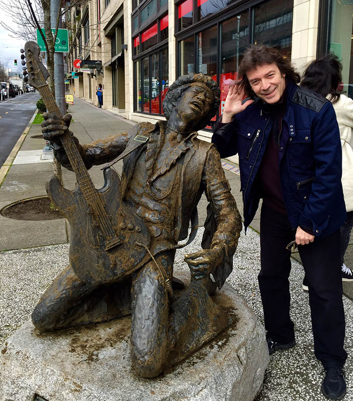 Steve with Hendrix statue