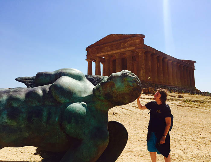 Steve with Icarus descended beside Temple of Cocordia, Valley of the Temples