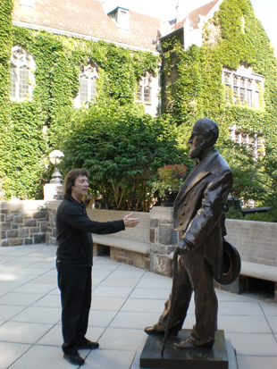 Steve shakes hands with Asa Packer, the Founder of Lehigh University